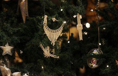 Ozdoby na nejdražším vánočním stromku na světě mají hodnotu přes 200 milionů korun