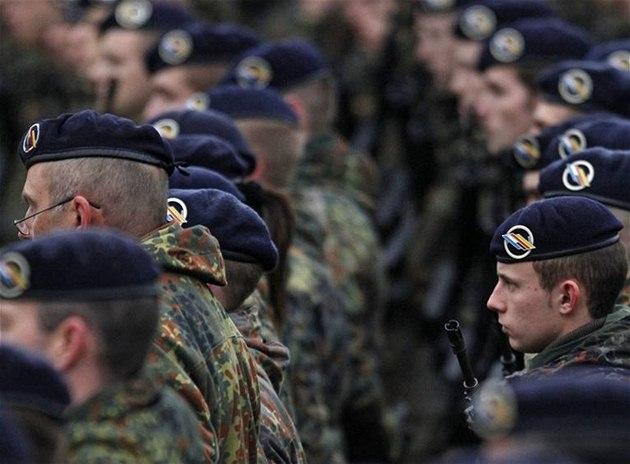 N�me�tí vojáci poprvé od 2. sv�tové války vstoupili do Francie.
