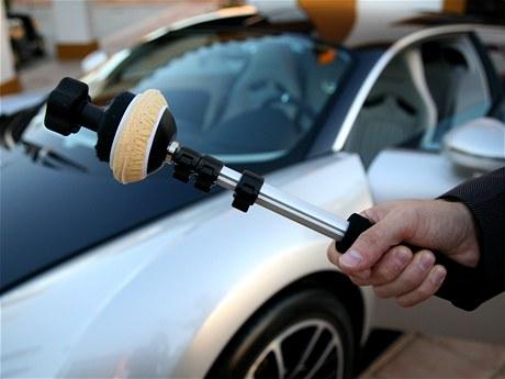 Udělátko na čištění okna Bugatti Veyron