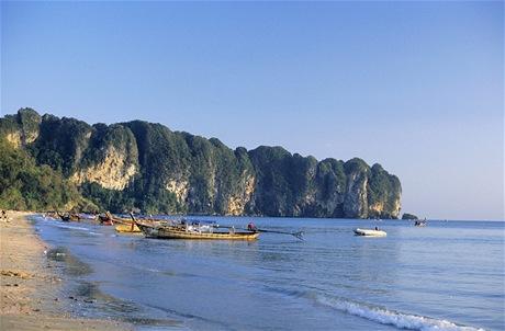 Pláž Ao Nang u Krabi na thajském pobřeží