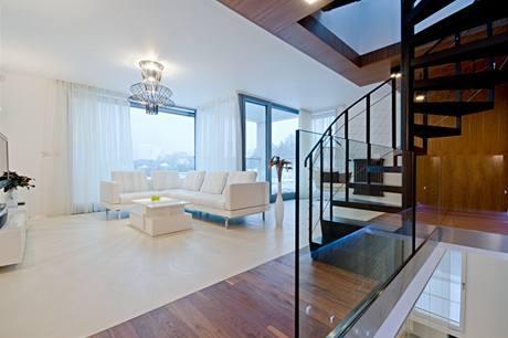 Výhled na Prahu si v obývacím pokoji opravdu vychutnáte