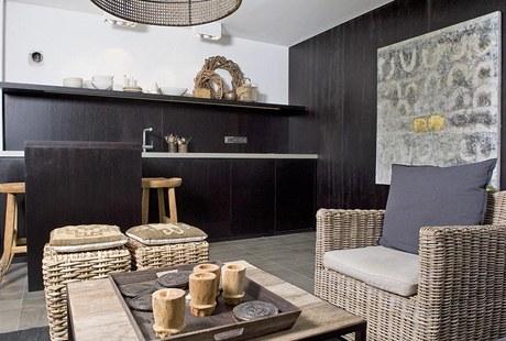 Letní pokoj v přízemí díky vlastnímu vstupu do domu a sousedící koupelně s klozetem nabízí maximální kommfort.