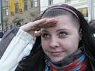 Stovky lidí v Brně na náměstí Svobody zmzly na tři minuty v pohybu. Konala se tam recesistická akce Frozen.