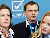 Vít Bárta, Karolína Peake a Kateřina Klasnová na ideové konferenci Věcí veřejných.