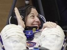 Americká astronautka Catherine Colemanová před odletem raketoplánu Sojuz TMA-20 k ISS. (15. prosince 2010)