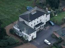 Zde by měl Julian Assange vyčkat na verdikt o vydání do Švédska. Venkovské sídlo Ellingham Hall v anglické obci Bungay patří novináři Vaughanu Smithovi.