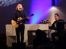 Jaromír Nohavica na koncertu v Ostravě-Zábřehu. (12. prosince 2010)