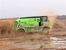 Marek Spáčil s Tatrou při testech před Dakarem 2011