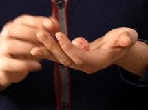 Z řádně promíchané a ochucené směsi vytvarujte malé kuličky