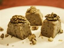 Terinka z bílé čokolády a vlašských ořechů (Terrina di cioccolato bianco con noci)