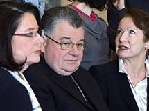 Pražský arcibiskup Dominik Duka, předsedkyně PS PČR Miroslava Němcová a herečka Hana Maciuchová