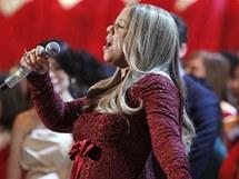 Těhotná Mariah Carey zpívala ve Washingtonu