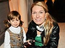 Olga Menzelová s dcerou