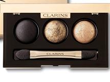Slavnostní líčení Barocco, Clarins, se nese v tónech zlaté, bronzové a černé.