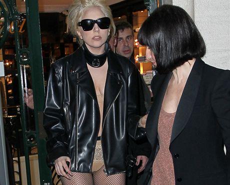 Lady Gaga na nákupech v Paříži