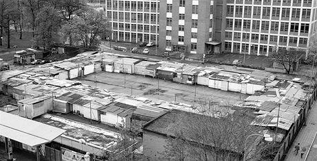 Bývalé tržiště a koupaliště Baťák v centru Zlína je dnes opuštěné.