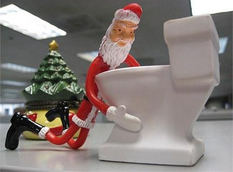 Toaletu lze také doplnit o vhodnou dekoraci