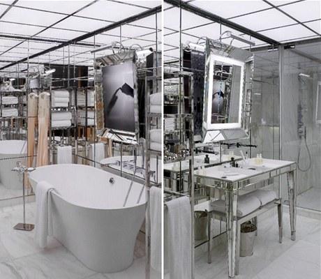 Obrovská zrcadla v pokojích slouží zároveň jako televizory, koupelny jsou zrcadly obložené od podlahy po strop