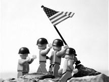 Classics in Lego: Vztyčení americké vlajky na ostrově Iwodžima