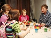 Děti si mohly nabarvit postavičky do betlému