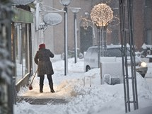 Sníh a mráz znovu komplikuje dopravu v Evropě