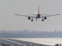 Britská letiště sužuje sníh a mráz (20. prosince 2010)