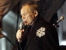 Kandidát opozice Uladzimir Njajklajev vyzývá k protestům po volbách (20. prosince 2010)