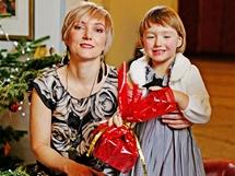 Lenka s dcerkou Lucinkou po vánoční proměně OnaDnes.cz
