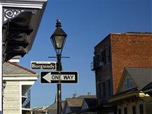 Stylové lampy jsou typické pro French Quarter