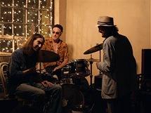 Jazzman pianista a zpěvák Mike Hook, se svou skupinou, typický příklad současné hudební scény New Orleans