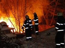 Požár chaty v hradecké lokalitě Borovinka