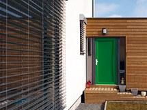 Zelené dveře byly nápadem architekta