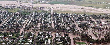 Zaplavené město Dalby v australském státě Queensland na leteckém snímku (29. prosince 2010)