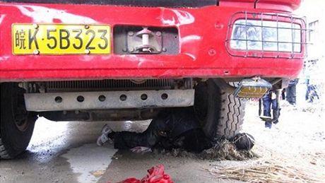 Nehoda nebo vražda?Tyto fotografie aktivisty Čchien Jün-chueje vyvolaly poplach na čínském internetu