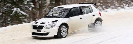 Škoda testovala v okolí Malé Skály na Semilsku soutěžní vůz Fabia S200.