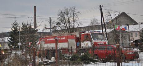 Budova nádraží v Drahanovicích, kde při požáru v bytě zahynuli dva lidé.