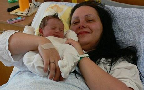 První miminko v Slezské nemocnici v Opavě se narodilo ve 3.40.