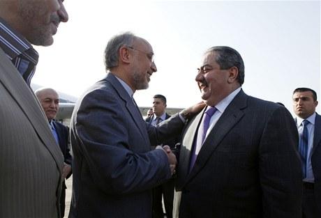 Íránský ministr zahraničí Alí Akbar Saléhí (vlevo) a jeho irácký protějšek Hošjar Zebarí (5. ledna 2011)