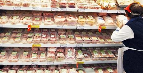Balené maso v hypermarketu. Ilustrační foto