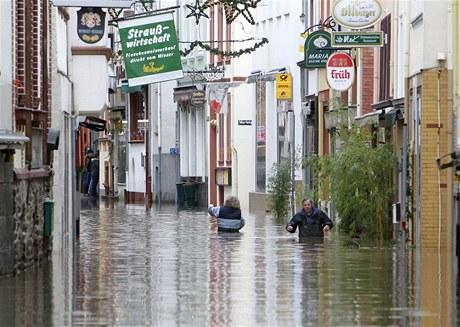 Zaplavené uličky města Zell na řece Mosele (9. ledna 2010)