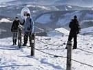 Na Sněžce bývá často inverzní počasí, v údolích jsou mraky