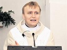Římskokatolický farář Vítězslav Řehulka.