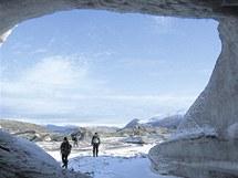 Hradečtí speleologové na Špicberkách