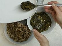 M�kk� maso i j�tra po zchladnut� nahrubo umelte
