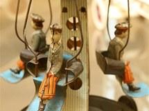 Expozice výstavy historických hraček v libereckém Severočeském muzeu.