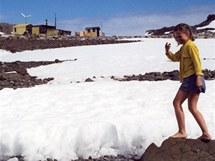 Na Antarktidě jen tak v sukni.