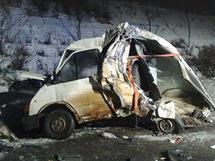 Nehoda dodávky a kamionu na 24. kilometru dálnice D8 ve směru na Prahu