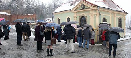 Mše v plzeňském kostelíku U Ježíška.