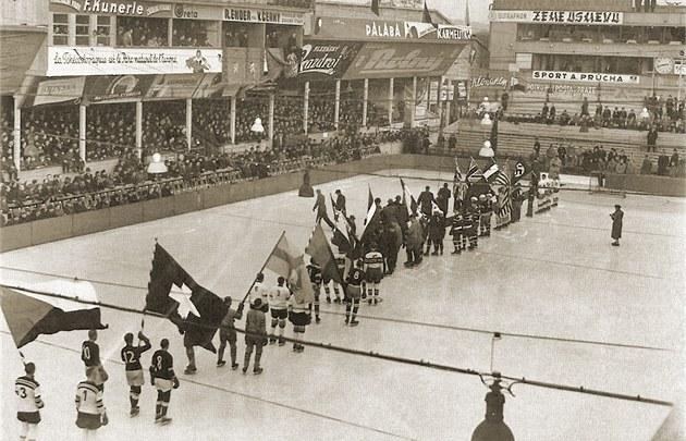 Repro z knihy Český hokej 1909/2003
