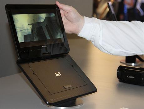 CES 2011 - Přenosné 3D Blu-ray kino
